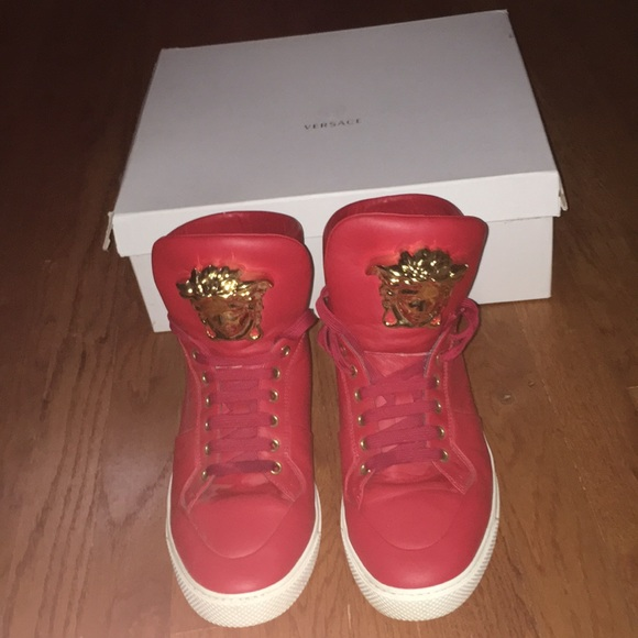 Versace Mens red & gold sneakers barely worn